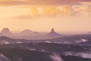 Ben-Messina-Glasshouse-Mountains-Rising-Mist